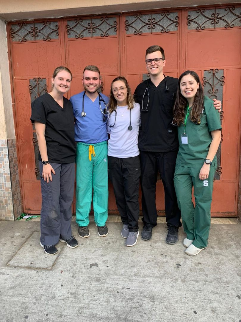 Group of med students in Guatemala